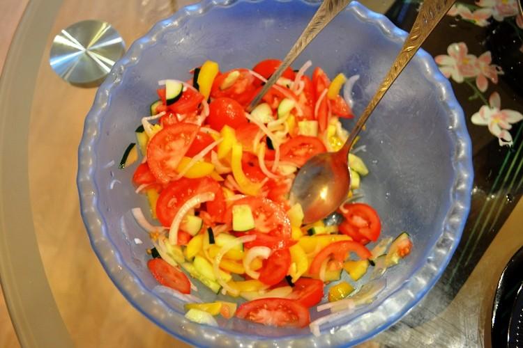 Блюда из сосисок с овощами